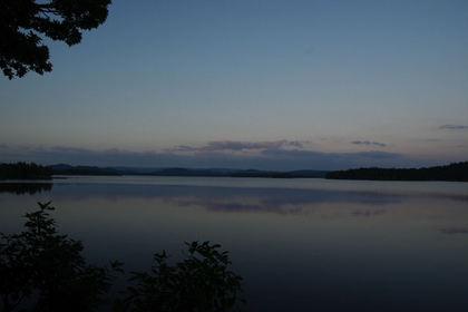 夕方の湖畔.jpg